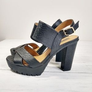 Madden 90's Style Snake Chunky Platform Sandal